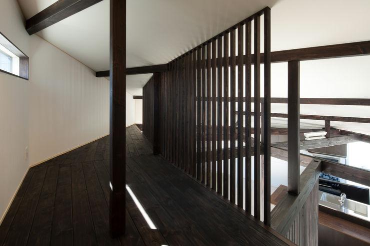 扇翁 充総合計画 一級建築士事務所 モダンデザインの 多目的室