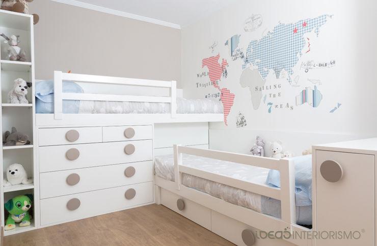 Habitación infantil Nacho y Carlos Ideas Interiorismo Exclusivo, SLU Dormitorios infantiles de estilo mediterráneo
