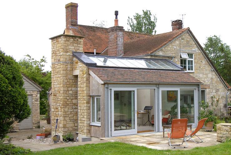 Rural extension, Dorset, UK Southpoint Moderne Wohnzimmer