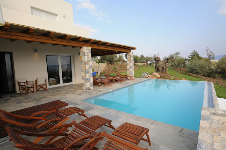 CARLO CHIAPPANI interior designer Mediterranean style pool
