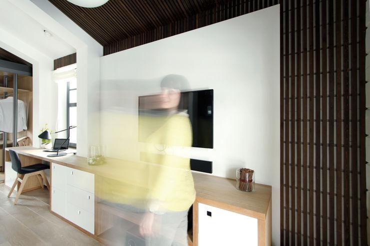 ZE Workroom studio Study/officeStorage