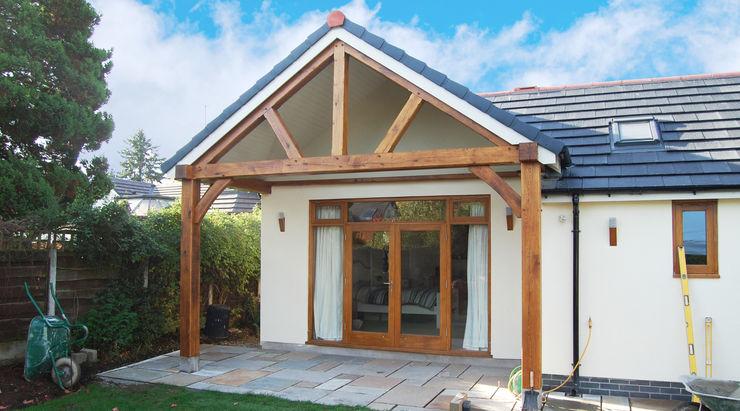 Oak Timber Frame House Extension, Gatley, Cheshire, Manchester Grant Erskine Architects Garajes de estilo clásico