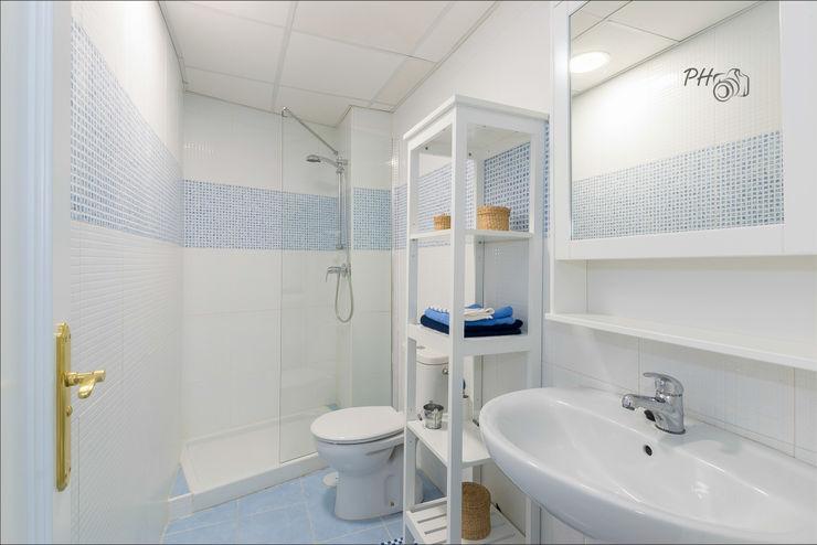 Baño Per Hansen Baños de estilo moderno