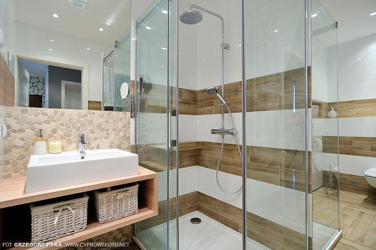 Projekt Kolektyw Sp. z o.o. Scandinavian style bathrooms