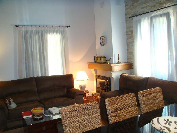 Casa prefabricada rústica en Huesca MODULAR HOME Salones de estilo rural