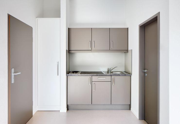 Studentenwohnheim Im Krausfeld Koenigs + Rütter KücheArbeitsplatten
