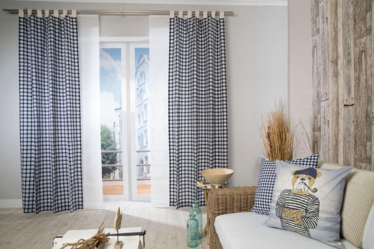 Schlaufenschal Lewis, Kissen Rosy Navi und Sailor Indes Fuggerhaus Textil GmbH Skandinavische Fenster & Türen