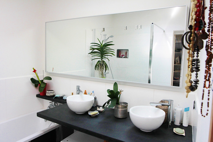 Transformation d'une salle de stockage en une salle de bain Mint Design Salle de bain rurale