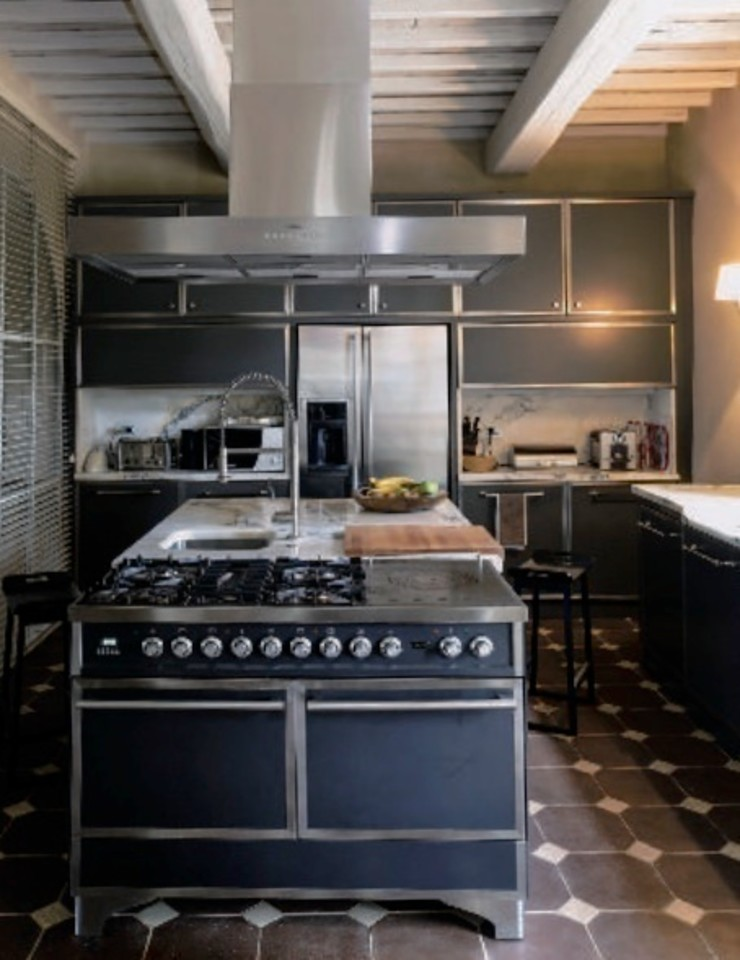 Casa Nuova Studio Mazzei Architetti CucinaContenitori & Dispense