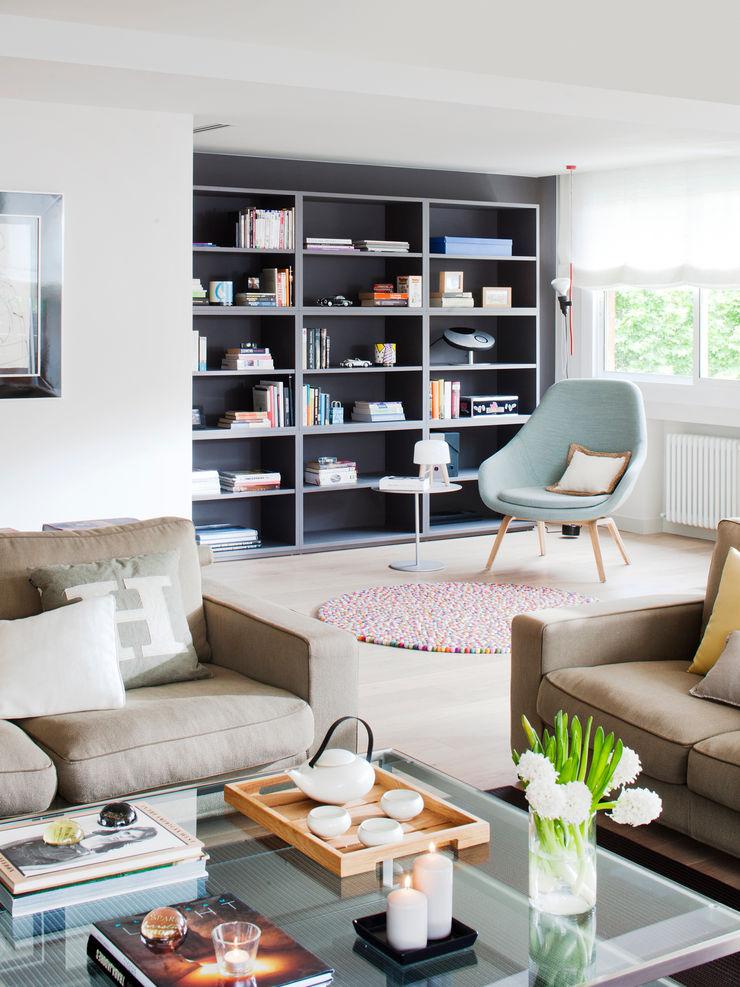 Salón y zona de estudio A! Emotional living & work Salones de estilo minimalista