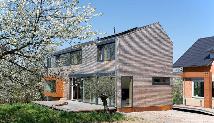 Kirschblütenhaus René Lamb Fotodesign GmbH Moderne Häuser