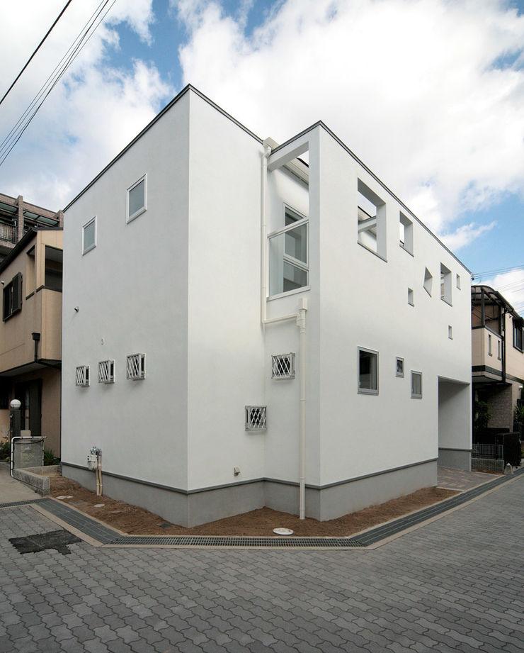南西側外観 田崎設計室 モダンな 家