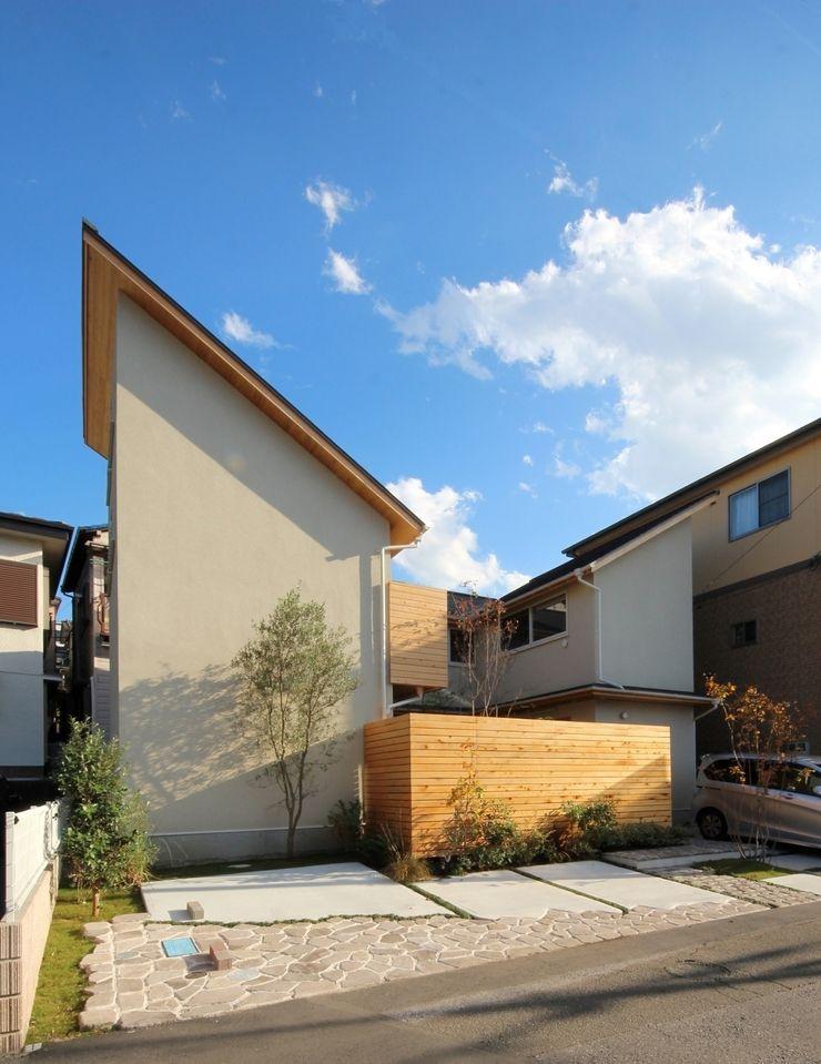 新井アトリエ一級建築士事務所 Casas modernas