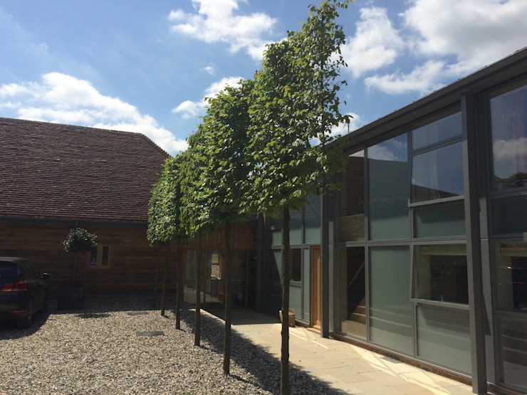 Rushmore Farm, Upton Studio Four Architects Country style houses