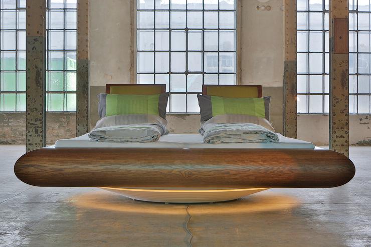 Drehbares Bett mit integriertem Soundsystem Schreinerei Haas Mathias SchlafzimmerBetten und Kopfteile