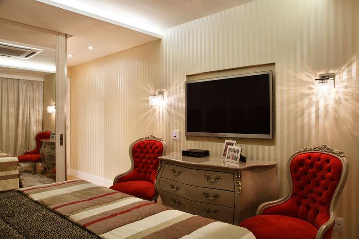 Apartamento na Barra da Tijuca Ana Adriano Design de Interiores Quartos clássicos