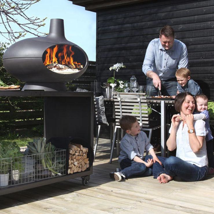 Kaminöfen, Feuerstellen und Öfen Soutschek Ofenfeuer Moderner Balkon, Veranda & Terrasse