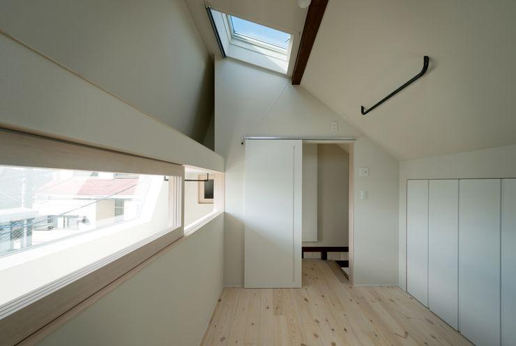 FORT 充総合計画 一級建築士事務所 モダンスタイルの寝室