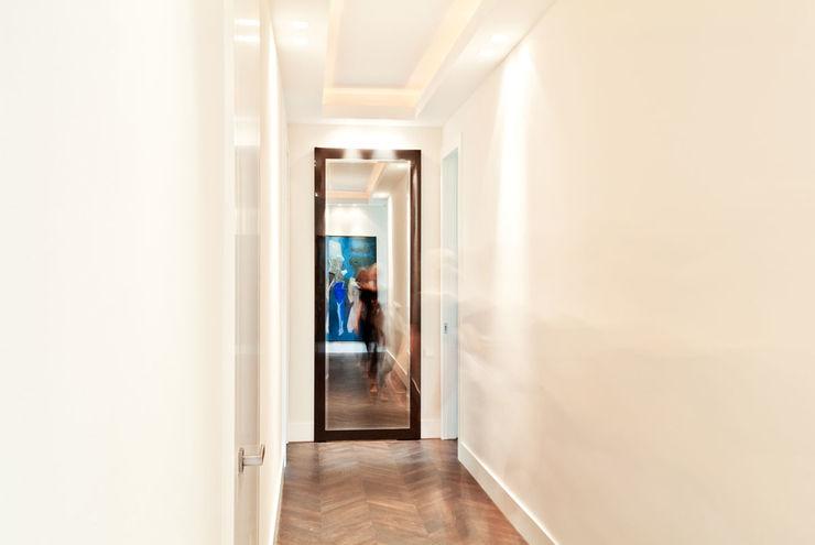 150 m, Śródmieście, Wwa dziurdziaprojekt Nowoczesny korytarz, przedpokój i schody