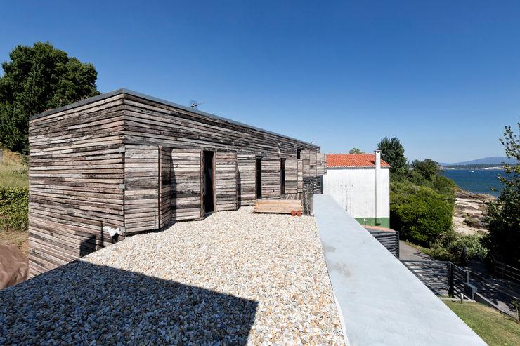 dezanove house designed by iñaki leite - terrace Inaki Leite Design Ltd. Varandas, marquises e terraços modernos