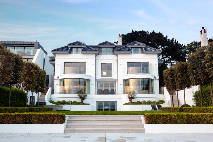 Luxurious family living homify Rumah Modern