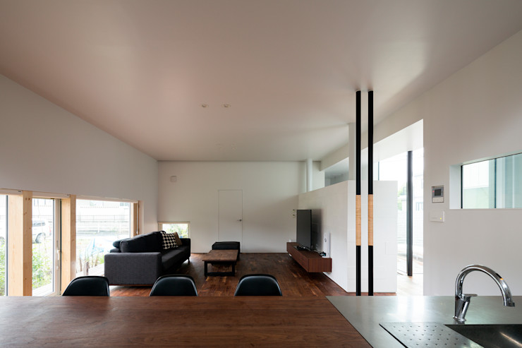 メインリビング-2 一級建築士事務所 Atelier Casa モダンデザインの リビング