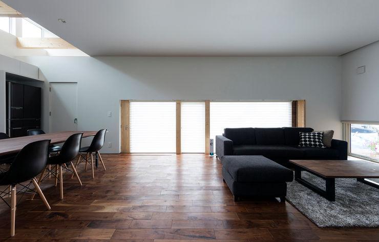 メインリビング-1 一級建築士事務所 Atelier Casa モダンデザインの リビング