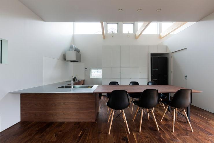 メインキッチン 一級建築士事務所 Atelier Casa モダンな キッチン