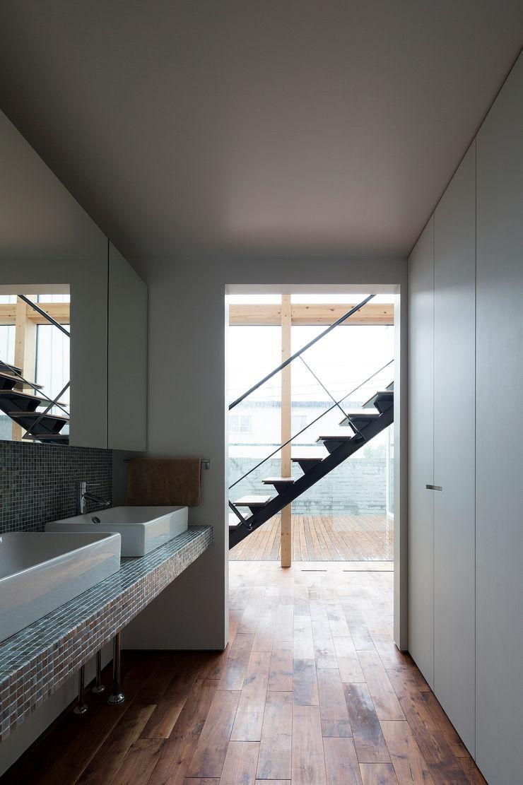 洗面スペース 一級建築士事務所 Atelier Casa モダンスタイルの お風呂