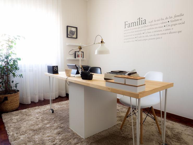 Escritório Preto no Branco - Depois MUDA Home Design Escritórios escandinavos