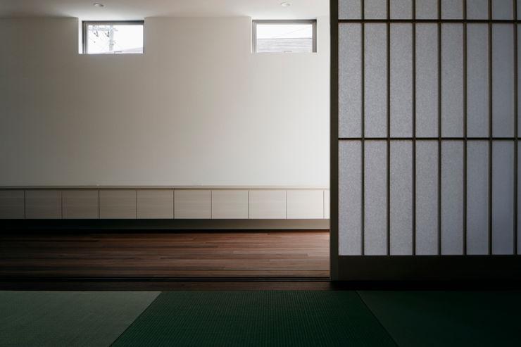松岡淳建築設計事務所 Modern living room