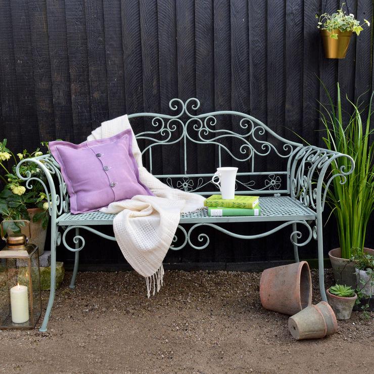 Ornate Garden Bench homify JardinesMuebles