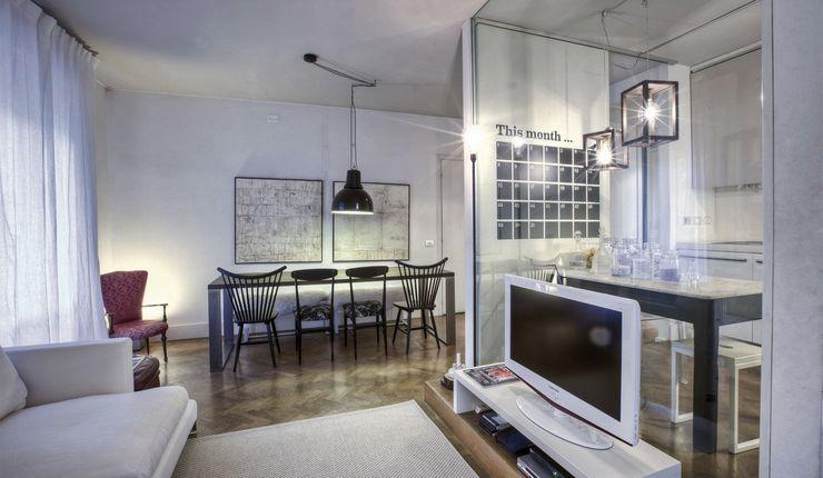 Interior a Santarcangelo cristina zanni designer Soggiorno moderno