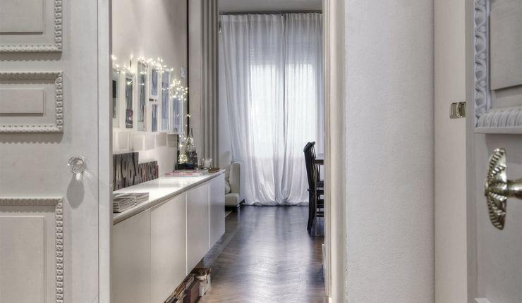 cristina zanni designer Moderne gangen, hallen & trappenhuizen