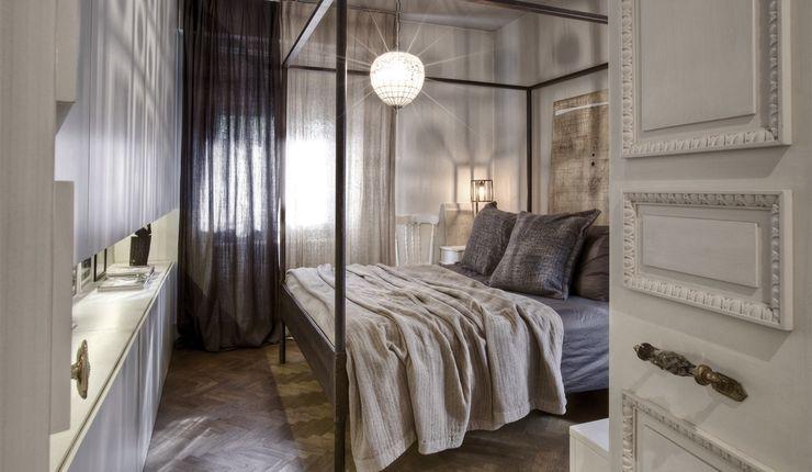 Interior a Santarcangelo cristina zanni designer Camera da letto moderna