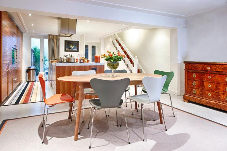 Beautiful colours for everyday living in style Warp & Weft (uk) Ltd モダンデザインの ダイニング