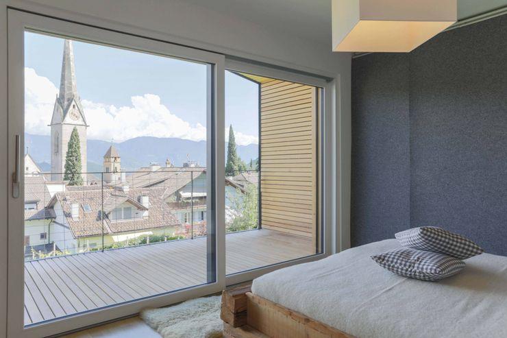 House KaTo Manuel Benedikter Architekt Camera da letto moderna