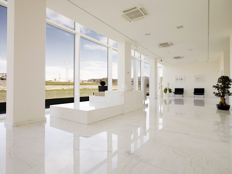 Marmi Due Ci Paredes y pisos modernos