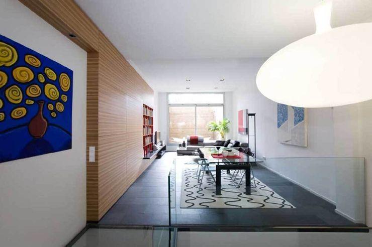 Salón- comedor SOLER-MORATO ARQUITECTES SLP Salones de estilo moderno