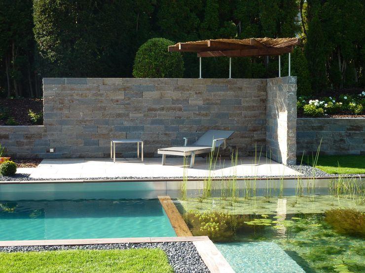 Gemütlicher Sitzplatz am Pool Maute GmbH & CO KG Moderne Pools