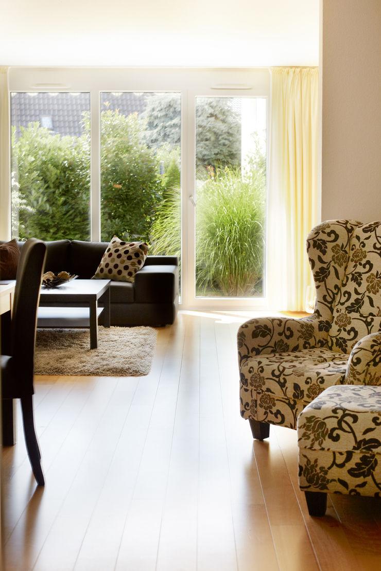Traumhaus das Original - Dirk van Hoek GmbH SalonesSofás y sillones