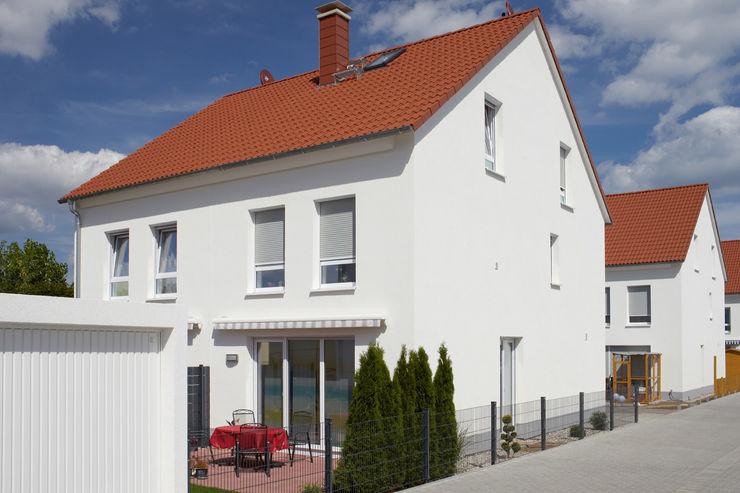 Traumhaus das Original - Dirk van Hoek GmbH Casas de estilo clásico