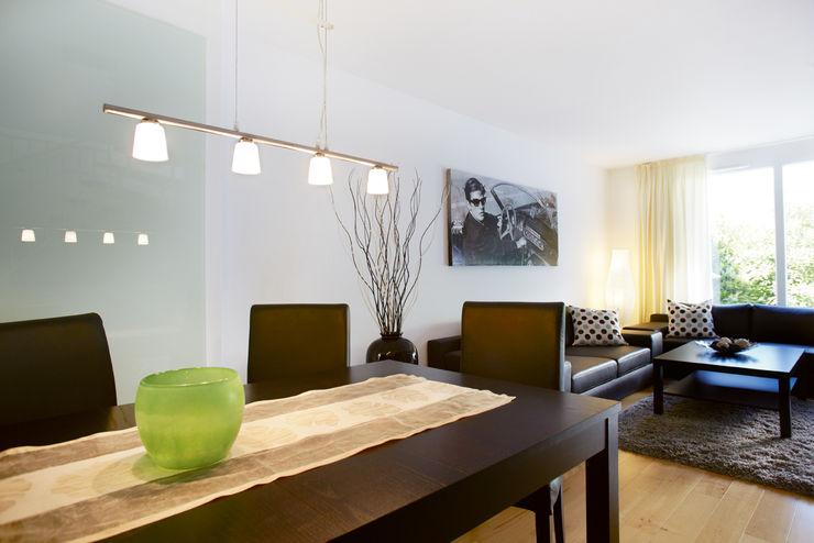 Traumhaus das Original - Dirk van Hoek GmbH Salones de estilo clásico