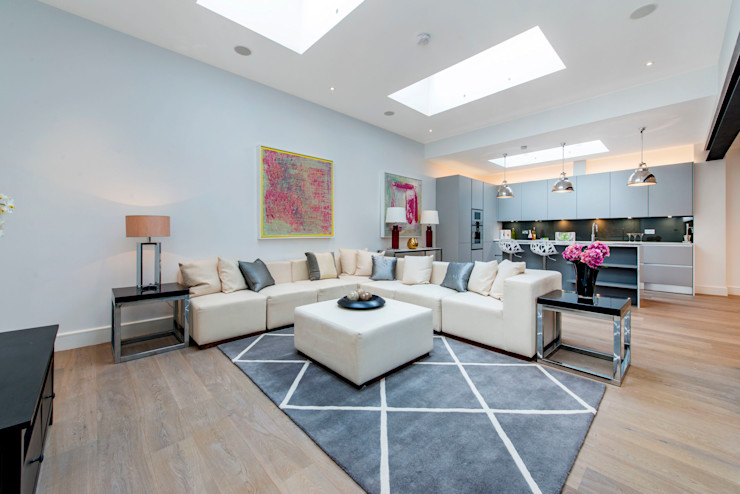 Living Room Balance Property Ltd Ruang Keluarga Modern
