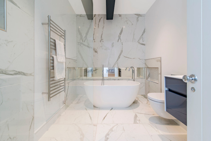 Marble and exposed steels Balance Property Ltd Modern style bathrooms