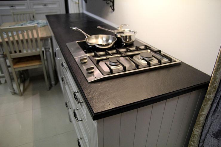 GRANMAR Borowa Góra - granit, marmur, konglomerat kwarcowy Modern Kitchen