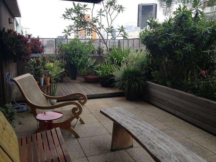 Rizck Paisagismo Balcones y terrazas de estilo rústico