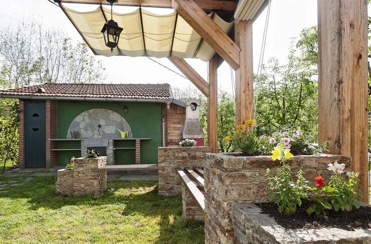 Federico Vota design Rustic style garden
