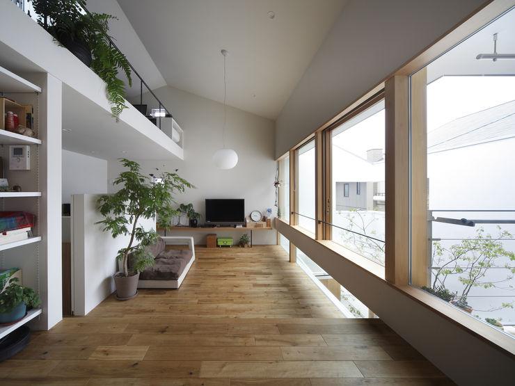 春風の家 樋口章建築アトリエ モダンデザインの リビング