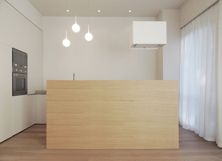 © Diego Collini Federica Stagni diegocolliniarchitetto Cucina minimalista